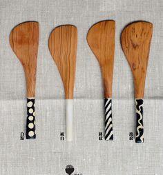 手工牛角橄欖木抹刀 / KN02純白, KN03斜紋, KN04波紋, KN05白點 / 17 x 4.5cm
