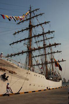 Armada nacional de Colombia  ceremonia del buque Gloria.