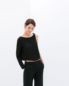 Love this Zara top! Image 1 of ASYMMETRIC TOP WITH KNOT ON SHOULDER from Zara effortlesseverydaystyle.blogspot.com