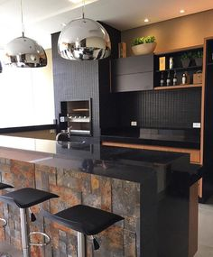 Browse photos of Small kitchen designs. Discover inspiration for your Small kitchen remodel or upgrade with ideas for organization, layout and decor. Home, Home Kitchens, Luxury Kitchens, Sweet Home, Best Kitchen Designs, Kitchen Interior, Luxury Kitchen Design, Luxury Kitchen, Home Deco