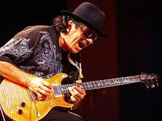 Carlos Santana While My Guitar Gently Weeps featuring India Arie and Yo Yo Ma Michael Buble, Shakira, Santana Guitar, Rock Internacional, India Arie, Macy Gray, Music Wallpaper, Carlos Santana, Classic Rock