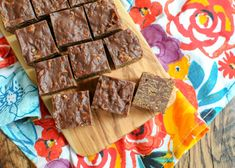No Bake Chocolate Crunch Bars   Barefeet in the Kitchen Microwave Chocolate Cakes, Chocolate Cereal, Peanut Butter Chocolate Bars, Coconut Peanut Butter, Chocolate Crunch, Homemade Chocolate, Chocolate Recipes, Chocolate Lovers, Köstliche Desserts