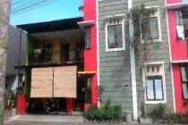 POTENSI PASSIVE INCOME! SALE! hanya 949.999.999 nego rumah kos 2 lantai dekat Akbid, Poltek & IKIP Jember. omset 3jutaan/bulan. 110m2. 10KT 6KM. Sudah berpenghuni anak kos. WOW! kereennnn. segera miliki yaa  Tunggu apa lagi? Segera hub Agen property anda: Mona, NRP Property 2bdbfecb/082140816417 Office: Ruko selatan stasiun Jember B 9.  pembeli gratis tanpa charge komisi. Harga asli dari pemilik.pastikan transaksi anda aman & nyaman melalui agen property