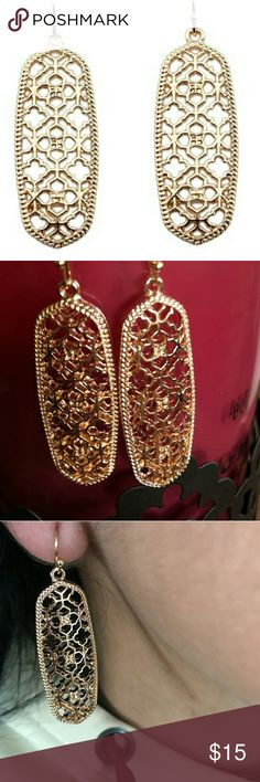 """Designer Inspired Earrings Designer inspired earrings. Intricate clover detail filigree earrings in Rosegold. Similiar to the popular """"Brenden"""" these earrings are sure to make a statement. Measure about 2"""". Jewelry Earrings"""