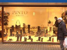 Pinto Schoenen - Deze productpresentatie is erg sterk omdat ze veel producten laten zien. Door deze producten zie je meteen wat voor winkel het is en in welke prijsklasse het zit.