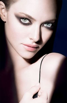 cle de peau BEAUTE for Fall 2011 featuring Amanda Seyfried Amanda Seyfried, Smokey Eyes, Smokey Eye Makeup, Beauty Make Up, Hair Beauty, Mascara, Foto Fashion, Make Up Looks, Beauty Shots