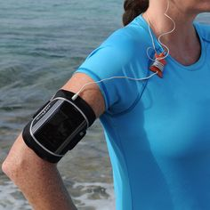 In the gym, on your run, or anywhere you go to work out, with the Nite Ize Action Armband, you'll have convenient, hands-free access to your smart phone's training apps, stopwatch, maps, and (most importantly!) music.
