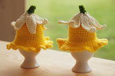 Narzissen bzw. Osterglocken als selbst gehäkelte Eierwärmer. Foto: Patrick Hahn