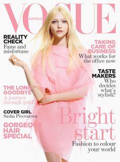 Sasha Pivovarova, en la portada de Vogue Australia.