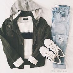 let the layering begin // favorite jeans: Tillys Source by trcain Outfits invierno Teenage Outfits, Teen Fashion Outfits, Outfits For Teens, Fall Outfits, Emo Outfits, Fashion Dresses, Cute Casual Outfits, Stylish Outfits, Baskets Louis Vuitton