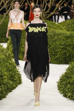 Dior Haute Couture Spring-Summer 2013 – Look 21: Embroidered black wool and silk cocktail dress. Discover more on www.dior.com #Dior#PFW