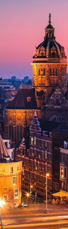 Amsterdam at twilight.Holanda.