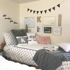 Girl Room Decor Ideas - How can I decorate my girl's bedroom on a budget? Girl Room Decor Ideas - What should a teenager put in their room? Dorm Room Walls, Cute Dorm Rooms, Bed Room, Kids Rooms, Room Decor For Teen Girls, Girls Bedroom, Girl Decor, Teen Wall Decor, Master Bedroom