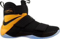 5ccf93472e03 Nike Men s Zoom LeBron Soldier X Basketball Shoes