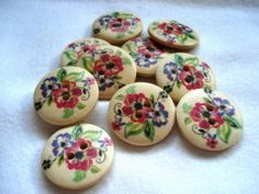 23mm Wood Buttons Red Purple Flower Print Pack of 10 by berrynicecrafts, £1.25