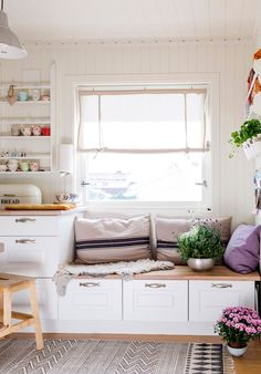 Penkki - pulma ratkaistu Nordic Interior, Interior And Exterior, Interior Design, Kitchen Dining, Kitchen Decor, Cottage Interiors, Kitchen Photos, Home Fashion, Classic House