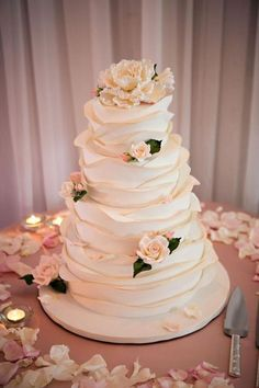 Daily Wedding Cake Inspiration (New! Daily Wedding Cake Inspiration (New!) – MODwedding Daily Wedding Cake Inspiration (New! Pretty Wedding Cakes, Elegant Wedding Cakes, Wedding Cake Designs, Wedding Cake Toppers, Cake Wedding, Ruffled Wedding Cakes, Wedding Cake Vintage, Wedding Cupcakes, Wedding Shoes