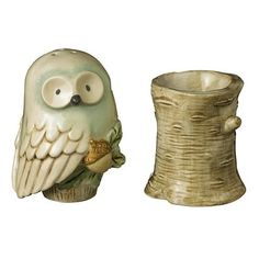 Owl Salt and Pepper Shaker Set . Have these at Cherry Hill! Salt N Pepa, Salt And Pepper Set, My Glass, Salt Pepper Shakers, Hobbies And Crafts, Tea Pots, Stuffed Peppers, Owl Parties, Salt Cellars
