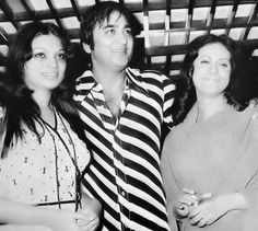 Sunil Dutt (middle) with Neelam Mehra (left) & Prema Narayan (right) at a film party.