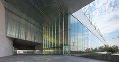 0060930 571 1024x542 El nuevo Palacio de Congresos de Sevilla de Guillermo Vázquez Consuegra, con Technal