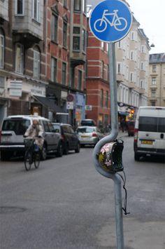 デンマーク大手ヘルメットブランド、街中の至る所に前代未聞の『ヘルメット試着室』を設置 | ブログタイムズBLOG 【海外広告事例】