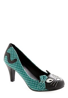 Ahh cat shoes with polkadots AND bows. My inner girly-girl is squeeing with delight! I don't wear heels, but if I could find a similar style (with the kitty face) in flats or wedges I would be all over that.