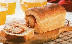 Pão de forma com goiabada cremosa
