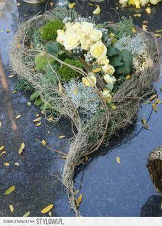 Bildergebnis für floral compositions for the autumn monument - DIY Funeral Flower Arrangements, Beautiful Flower Arrangements, Floral Arrangements, Beautiful Flowers, Grave Flowers, Funeral Flowers, Deco Floral, Arte Floral, Grave Decorations