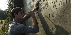 De muur met de namen: Op deze muur worden alle namen geschreven van de laarders, telkens als er iemand dood gaat schrapen ze zijn naam.
