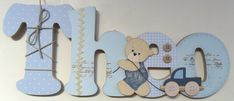 Nome decorado em MDF e Scrap, com aplique de ursinho em MDF, personalizado para decoração de quarto, porta maternidade, festa de aniversario. Tema e cores a sua escolha.