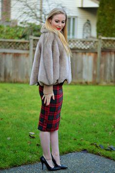 Vancouver Vogue blog: holiday outfit fashion! Faux fur cape, Topshop skirt
