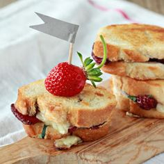 Balsamic Strawberry & Brie Grilled Cheese Sliders
