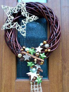 Výsledek obrázku pro vánoční dekorace 2017 Grapevine Wreath, Grape Vines, Wreaths, Halloween, Home Decor, Decoration Home, Door Wreaths, Room Decor, Vineyard Vines