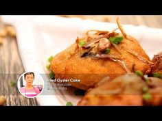 Learn how to make Fried Oyster Cake (炸蚝饼)! Talented Share Food home cook Lucinda Lau brings to the table a delicious, healthier version of our favourite hawk. Prawn Fritters, Fried Oysters, Fries, Turkey, Snacks, Singapore, Cooking, Healthy, Cake