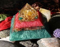 Orgonite Crystal Pyramid ~ Powerful healing pyramid with Yellow Kunzite, Citrine, Malachite & Quartz crystal. by OrgoniteFamily on Etsy https://www.etsy.com/se-en/listing/469210962/orgonite-crystal-pyramid-powerful