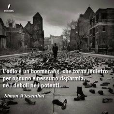 Contro ogni forma di #odio, per un mondo di #pace (e di gessetti colorati).   www.frasicelebri.it