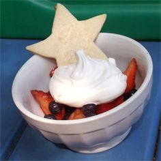 Red, White and Blueberries with Shortbread Stars - bjl Egg Free Desserts, Fun Desserts, Delicious Desserts, Dessert Recipes, Dessert Food, Patriotic Desserts, 4th Of July Desserts, Patriotic Party, Star Food