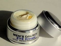 Natural eye cream can reduce and prevent wrinkles, fix puffy eyes and dark circles all with ingredients that are good for your skin! Natural Eye Cream, Best Eye Cream, Eye Cream Reviews, Eye Cream For Dark Circles, Eye Contour, Puffy Eyes, Prevent Wrinkles, Cool Eyes, Good Things