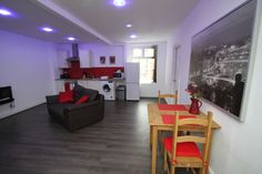 Apartment in Leicester, United Kingdom. My place is close to restaurants and dining, family-friendly activities, nightlife, and public transport. You'll love my place because of the location, the people, the ambiance, and the neighbourhood. My place is good for couples, solo adventurers...