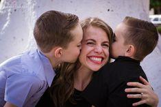 The Knowlton Family in Hermosillo Couple Photos, Couples, Kiss, Gift Ideas, Clothes, Swords, Fotografia, Couple Shots, Outfits