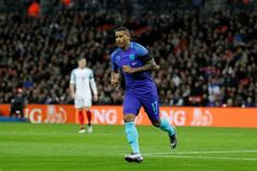 Swansea sign Dutch winger Narsingh from PSV   London (AFP)  Swansea City have signed Dutch international winger Luciano Narsingh from PSV Eindhoven for 4 million ($4.9 million 4.6 million euros) the Premier League strugglers announced on Thursday.  The 26-year-old has signed a two-and-a-half-year contract and becomes Paul Clements first signing since he succeeded Bob Bradley as manager earlier this month.  Right-footer Narsingh has been capped 16 times by the Netherlands and can play on…