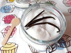 Vaníliás cukor helyett vaníliás negyedannyi édesítő házilag! Ezzel a módszerrel vaníliás eritrit, vaníliás xilit is készíthető cukormentes süteményekhez! >>