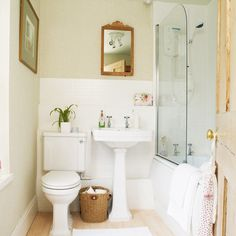 How to Move Toilets in Bathrooms, 30 Home Staging and Bathroom Design Ideas Bathroom Designs Images, Bathroom Design Small, Neutral Bathroom, White Bathroom, Bathroom Beadboard, New Bathroom Ideas, Bathroom Inspiration, Kitchen Wallpaper, Traditional Bathroom