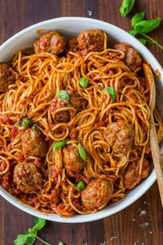 The Best Spaghetti & Meatballs!! Here's the secret to making meatballs uber juicy & tasty! #spaghettiandmeatballs #spaghettimeatballs #meatballs #spaghetti #pasta #italian #natashaskitchen Pork Roast, Pork Chops, Italian Spaghetti And Meatballs, How To Make Meatballs, Best Spaghetti, Slow Cooked Beef, Chicken Thigh Recipes, Roast Recipes, Chicken Tenders