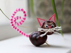 Knutselen met kastanjes | 30+ Simpele én super leuke knutselideeën Creations, Christmas Ornaments, Holiday Decor, Fall, Kids, Tissue Paper Crafts, Projects To Try, Autumn, Young Children