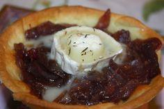 mis recetas dulces y saladas: tartaletas de cebolla caramelizada al vino tinto y queso de cabra