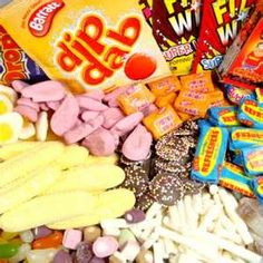 The best place in the UK for retro sweets without a doubt… 1970s Childhood, My Childhood Memories, Sweet Memories, Vintage Sweets, Retro Sweets, Vintage Food, Uk Sweets, Penny Sweets, Old Fashioned Sweets