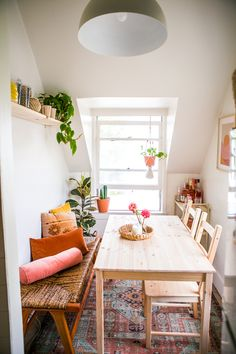 Before & After: A Small LA Rental Kitchen Makeover – College Housewife – Furniture Makeover Small Kitchen Tables, Small Dining, Kitchen Dining, Boho Kitchen, Kitchen Nook, Small Kitchens, Small Tables, Ikea Kitchen, Rental Kitchen Makeover