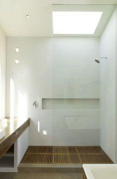 Upstairs shower. Grated wood shower floor.