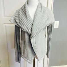 Gray Knit Sweater Beautiful chic gray sweater sweatshirt mix. Perfect for any occasion LOFT Sweaters Cardigans